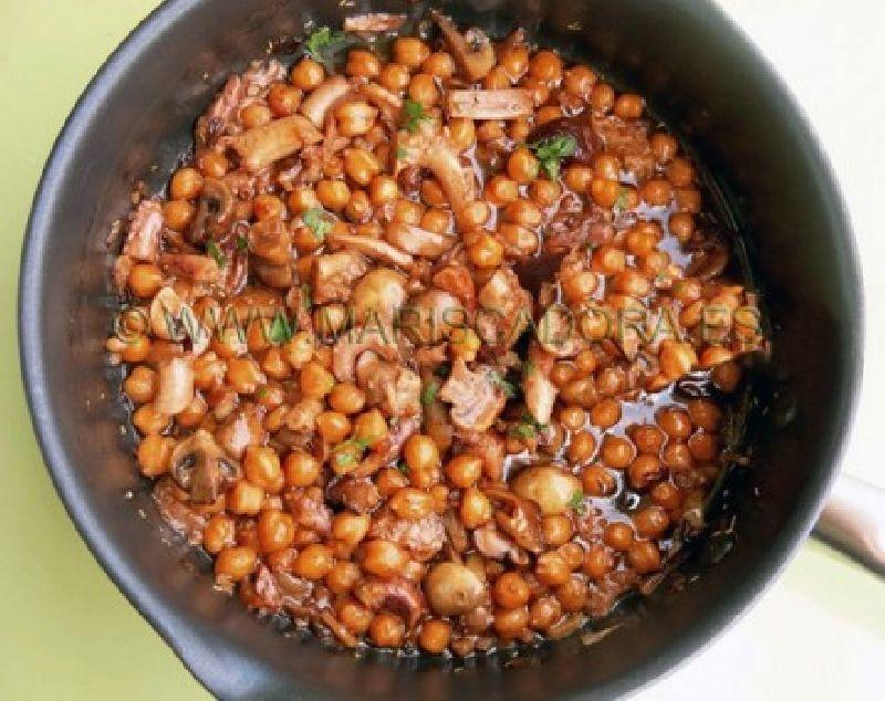 Estofado de Pulpo en aceite de oliva MARISCADORA con garbanzos y setas
